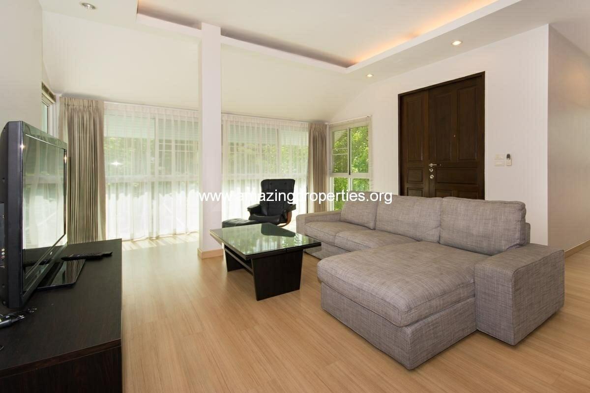 Petfriendly 3 bedroom Apartment in Phrom Phong