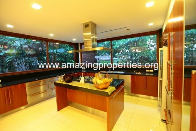 4 Bedroom House Phrom Phong-24