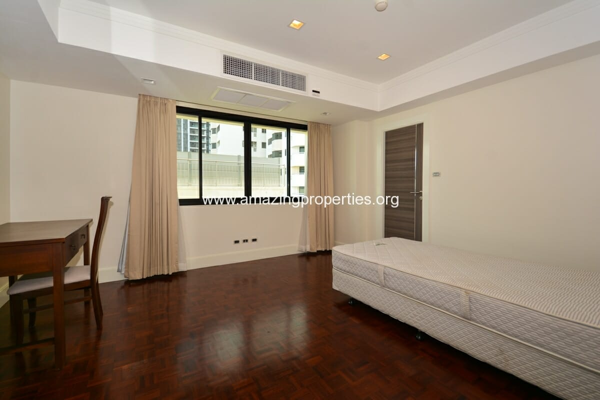 4 bedroom apartment for rent at phirom garden amazing for Four bedroom apartments