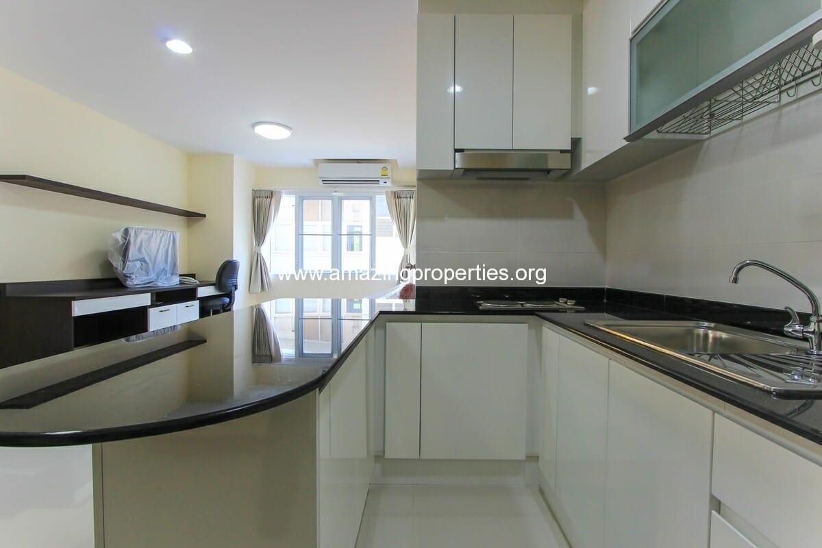 2 Bedroom Apartment In Charming Resident Ekkamai Amazing