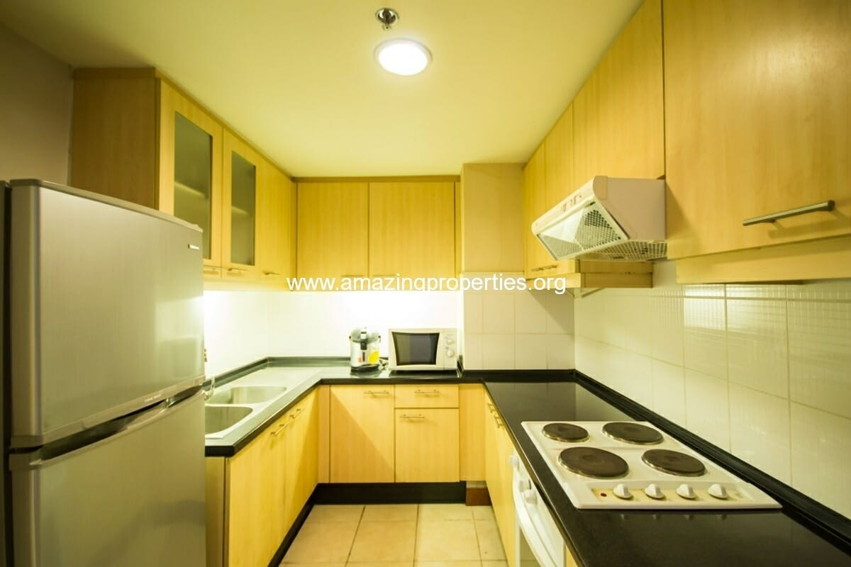 GardenGrove Suites 2 Bedroom Apartment Asoke-5
