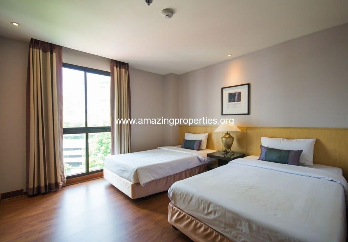GardenGrove Suites 2 Bedroom Apartment Asoke-6
