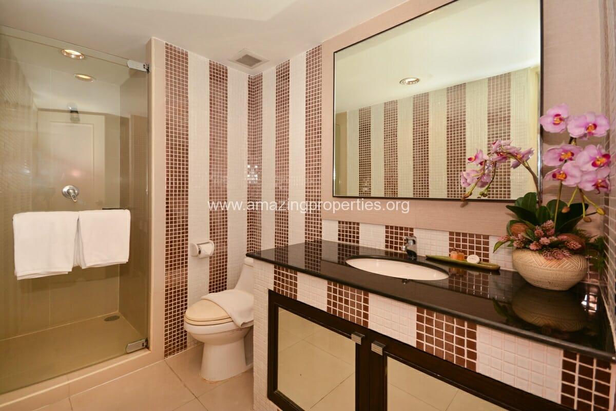 GardenGrove Suites 3 Bedroom Apartment Asoke-9