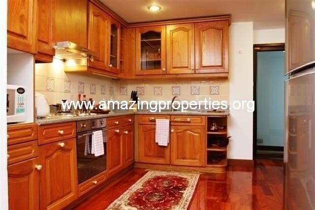 Kitchen 1 (Small)
