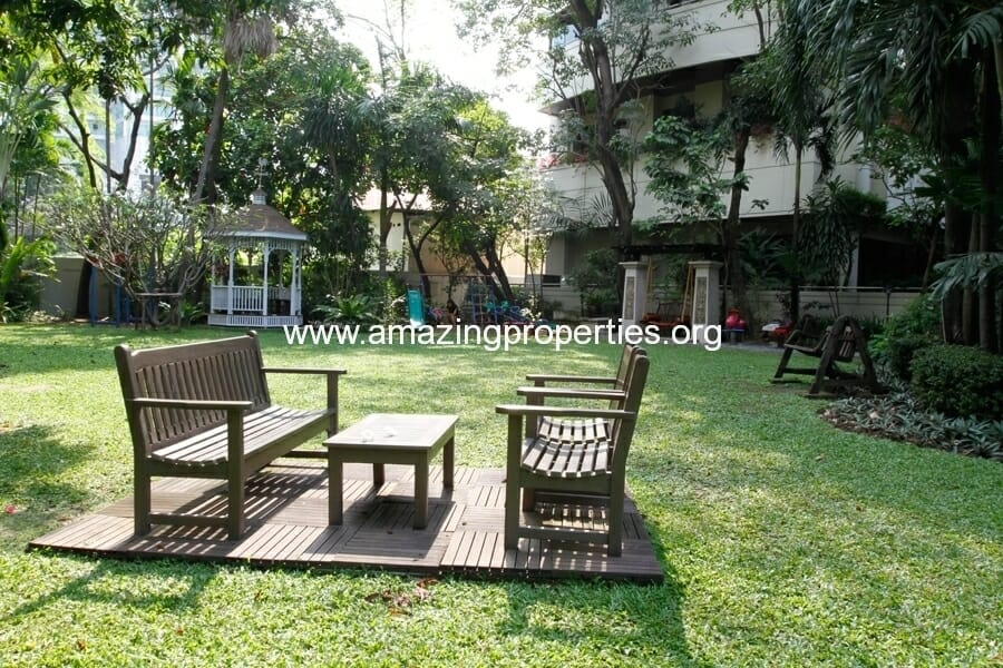 Mayfair Garden Apartment Asoke-5