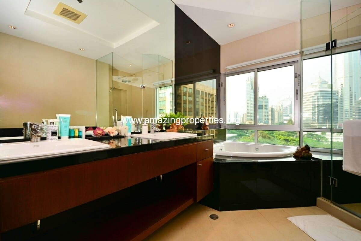 Royal Residence Park 3 bedroom-11