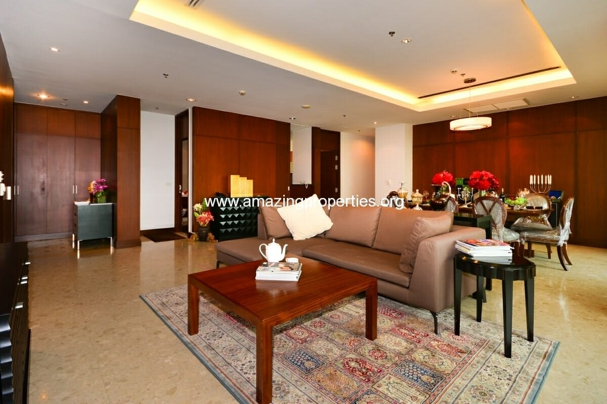 3 bedroom Apartment in Ploenchit