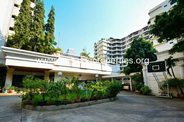 Sriratana Mansion 1