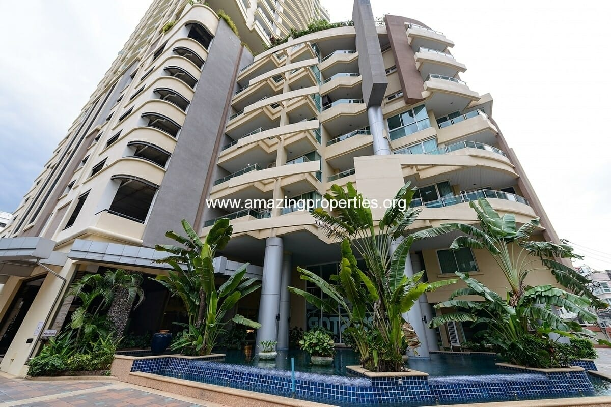 Sukhumvit City Resort Nana Condos for Rent