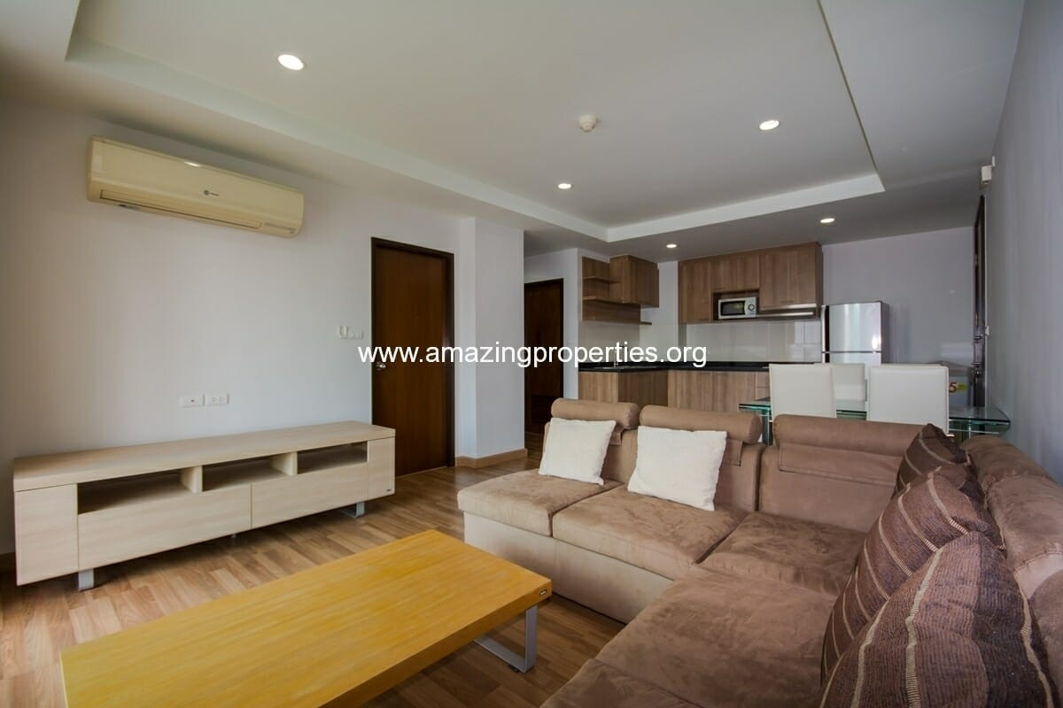 YO Place 2 bedroom Apartment Asoke for Rent