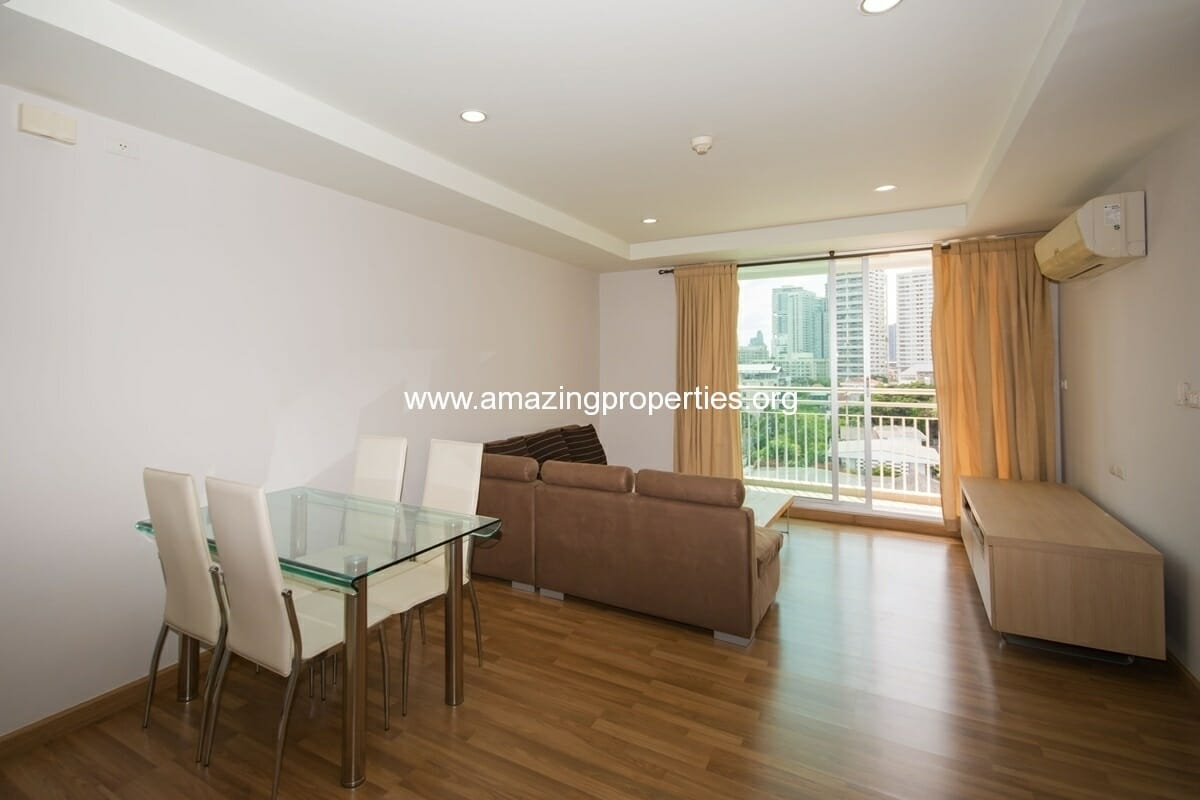 yo-place-2-bedroom-apartment-asoke-4