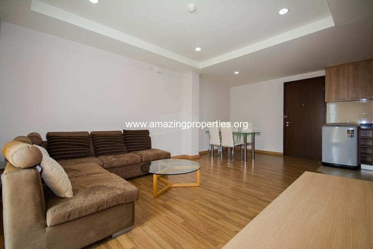 YO Place 3 bedroom Apartment in Asoke for Rent