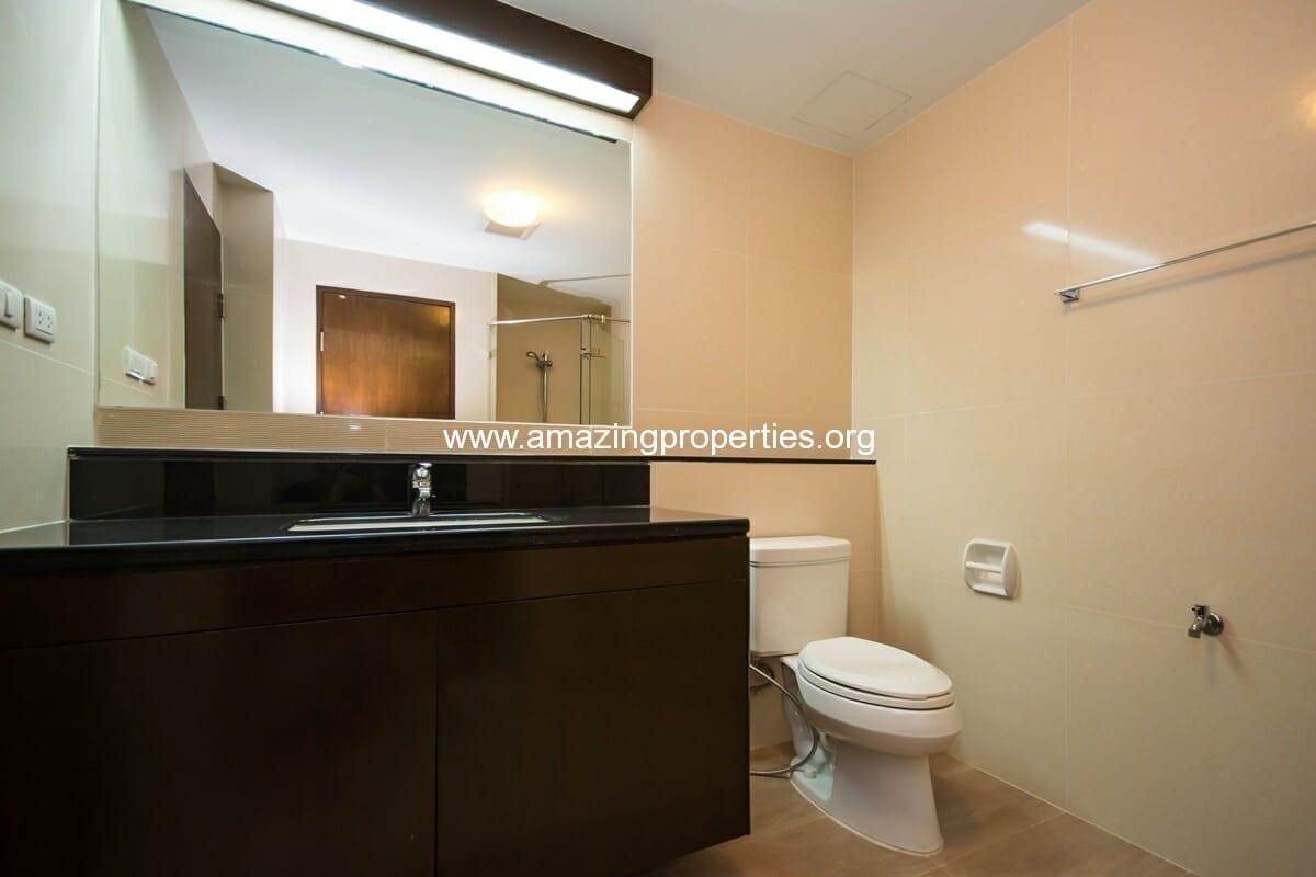 yo-place-3-bedroom-apartment-in-asoke-6