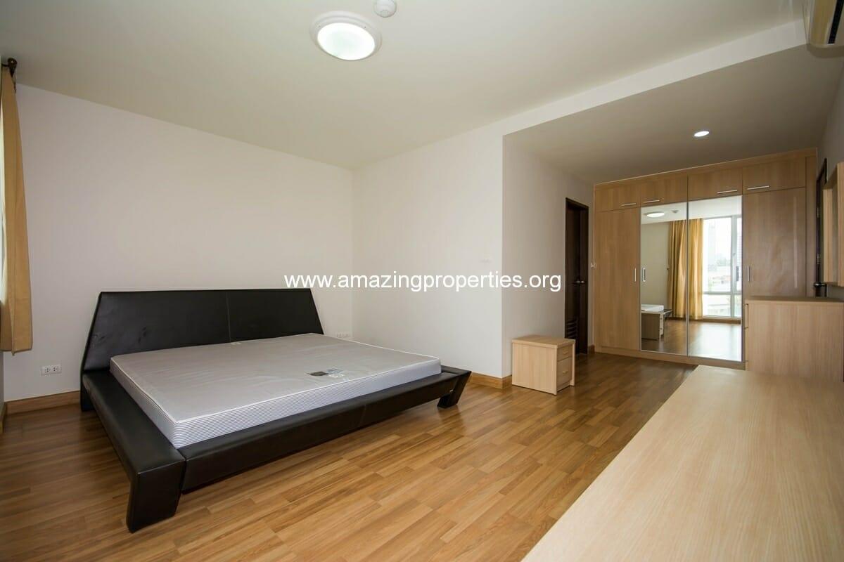 yo-place-3-bedroom-apartment-in-asoke-7
