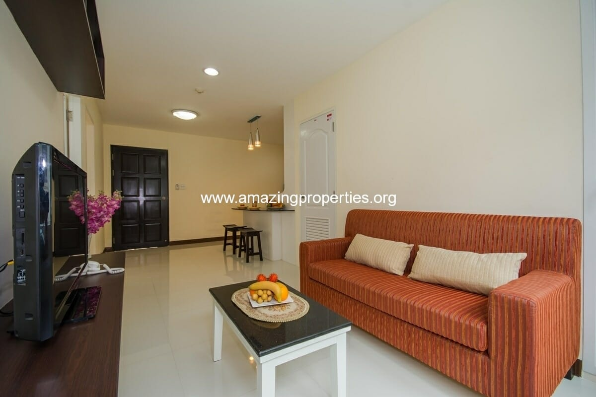 charming-resident-2-bedroom-apartment-ekkamai-1