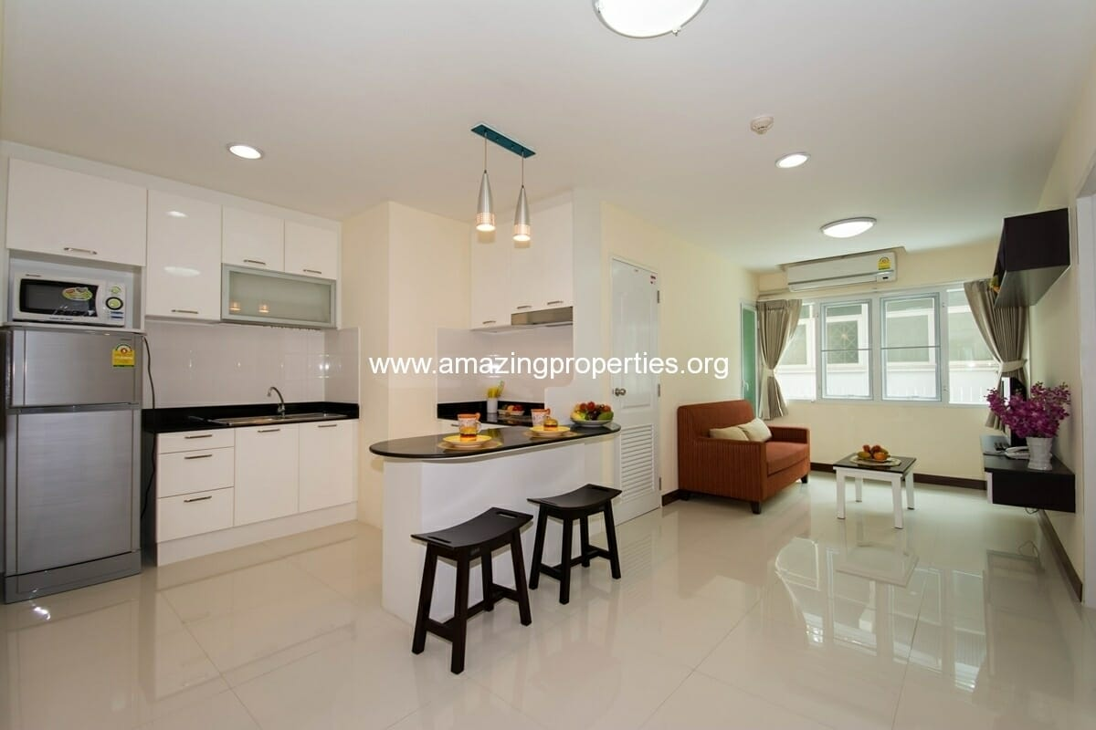 charming-resident-2-bedroom-apartment-ekkamai-3