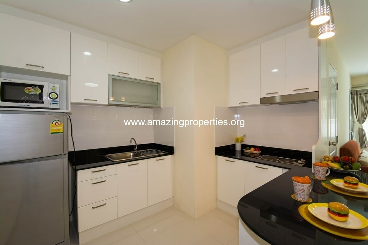 charming-resident-2-bedroom-apartment-ekkamai-4