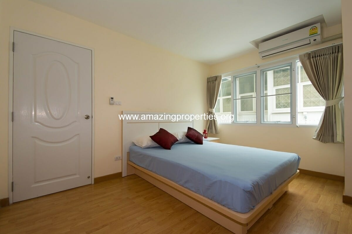 charming-resident-2-bedroom-apartment-ekkamai-5