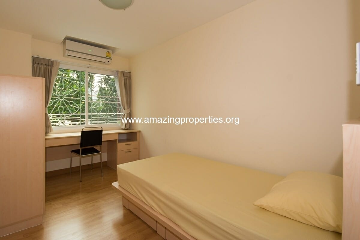 charming-resident-2-bedroom-apartment-ekkamai-7
