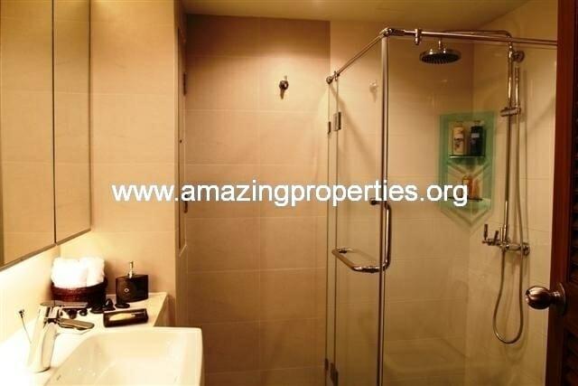 guest bathroom 2 (Small)