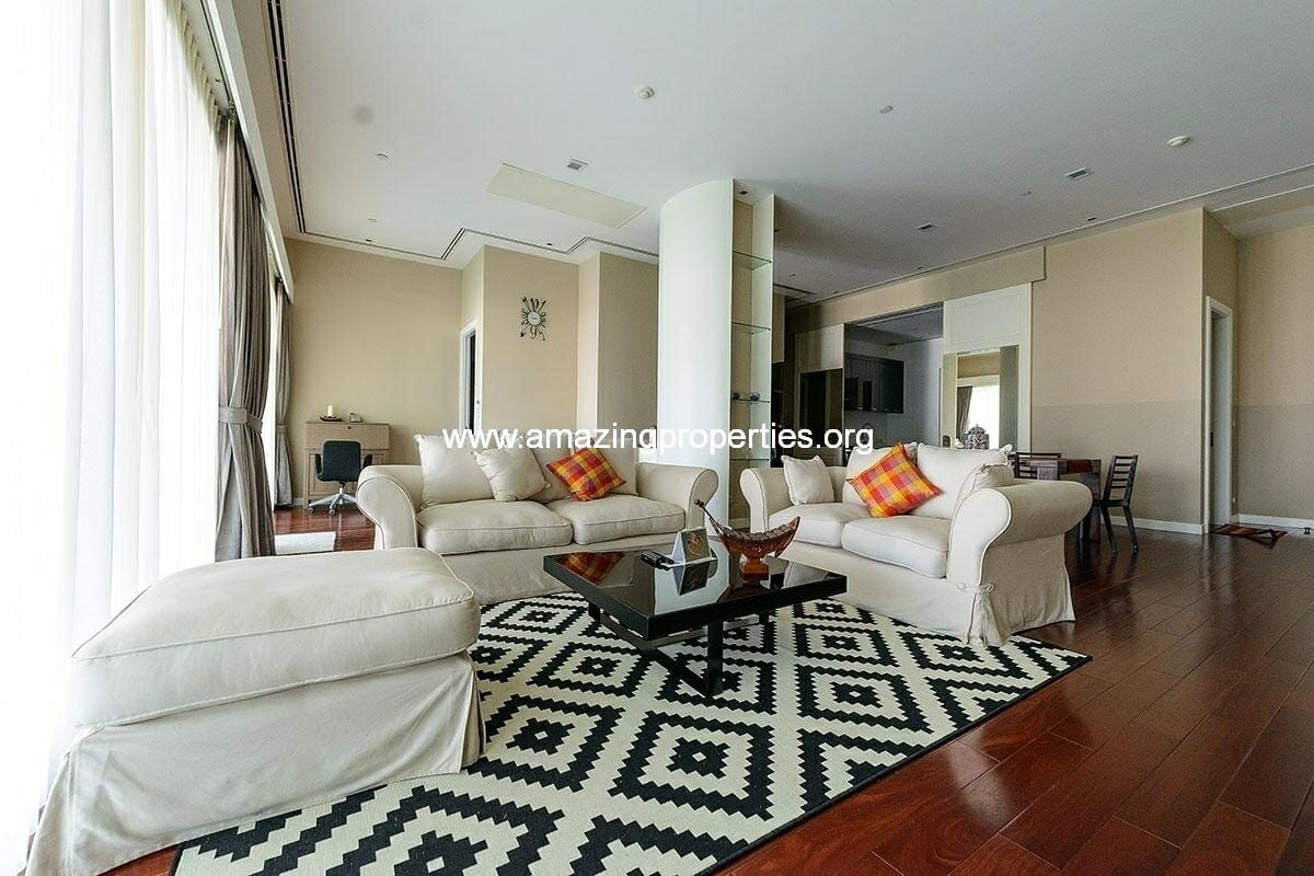 Rent 2 bedroom Le Raffine sukhumvit 39