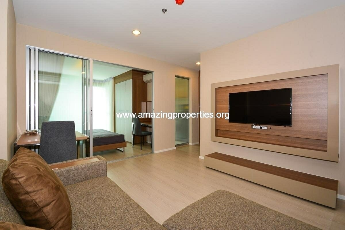 1 bedroom Condo in Rhythm Narathiwas for Rent