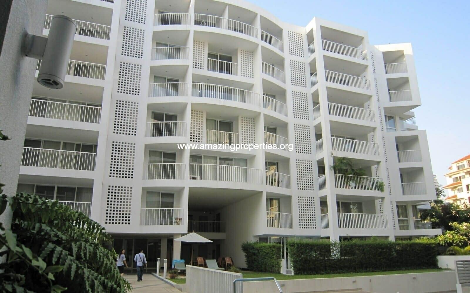 Ekkamai Gardens Building 1