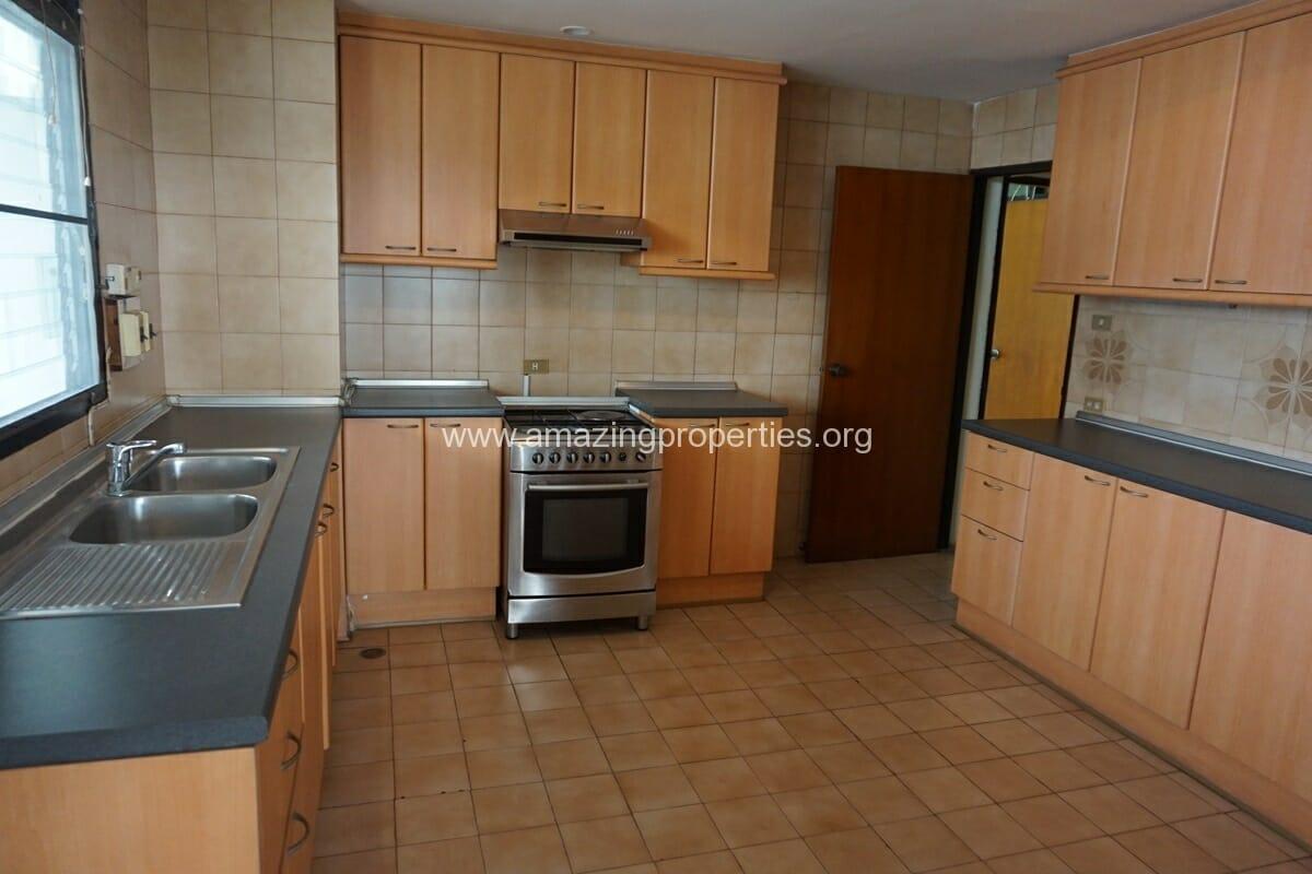 4 Bedroom Apartment Sriratana Mansion-12