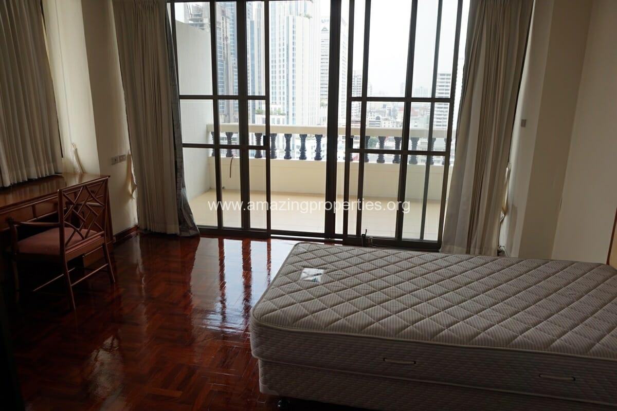 4 Bedroom Apartment Sriratana Mansion-14