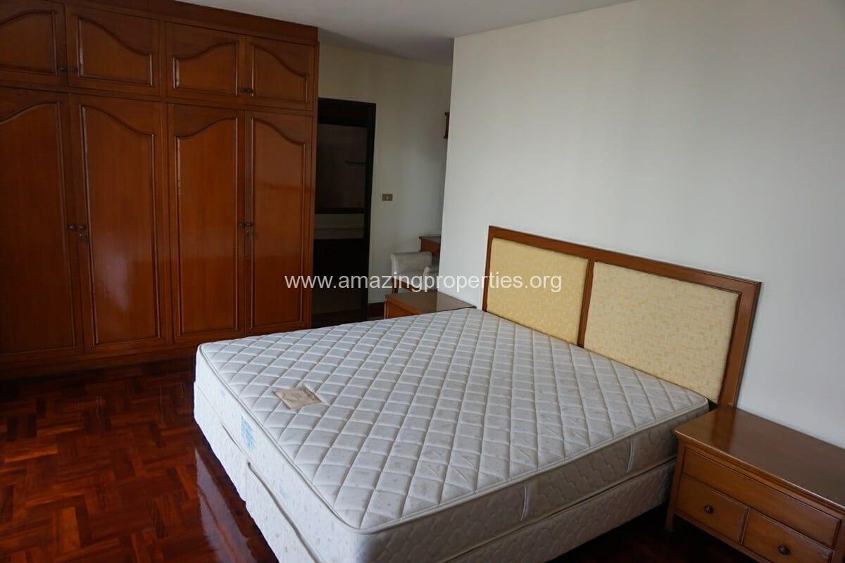 4 Bedroom Apartment Sriratana Mansion-17