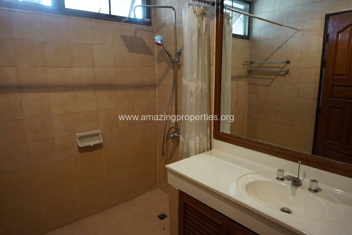 4 Bedroom Apartment Sriratana Mansion-18