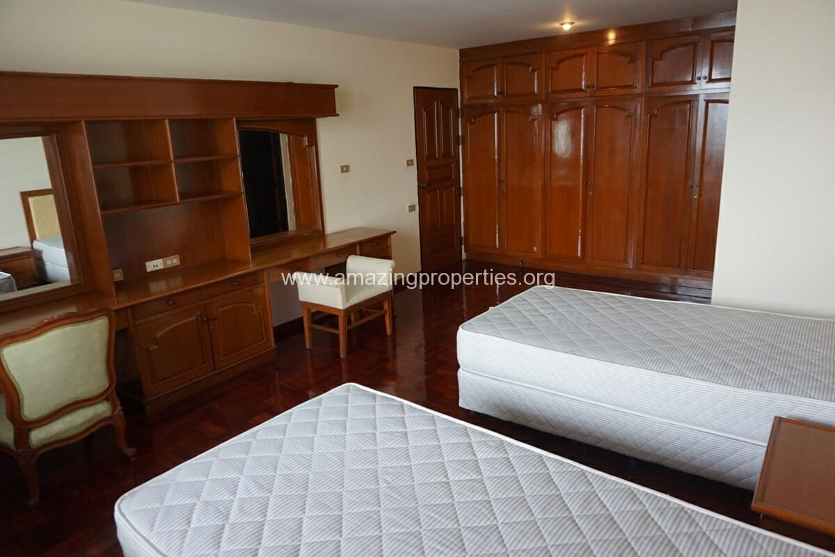 4 Bedroom Apartment Sriratana Mansion-20