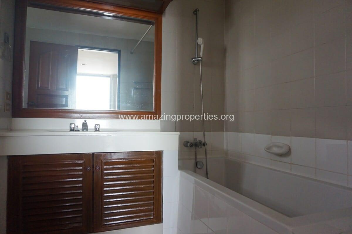 4 Bedroom Apartment Sriratana Mansion-22