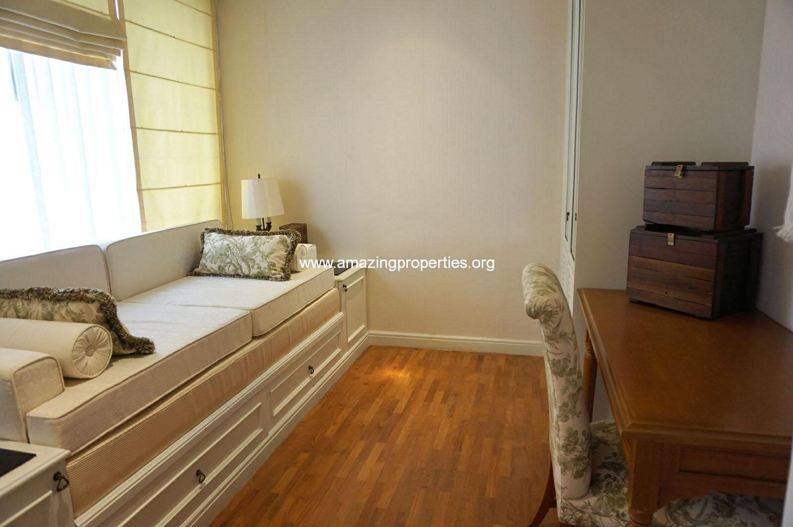 1 bedroom Condo Langsuan Ville