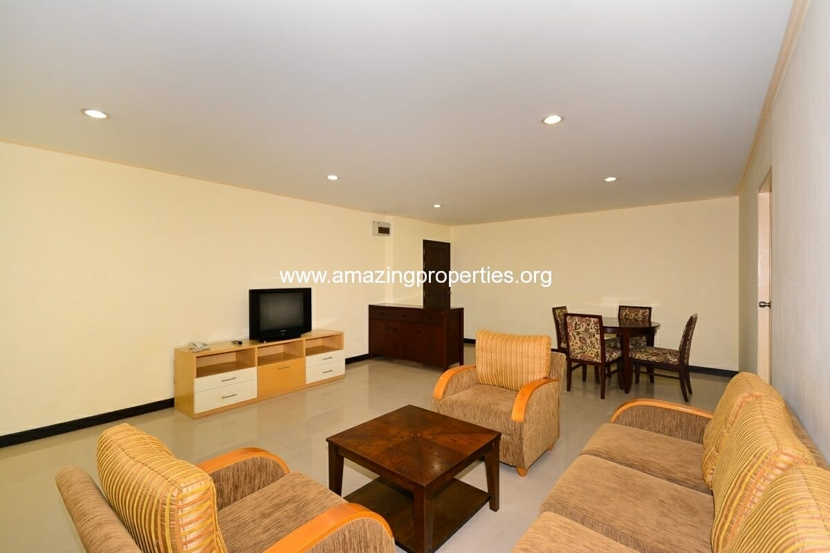 2 bedroom Charming Resident Asoke