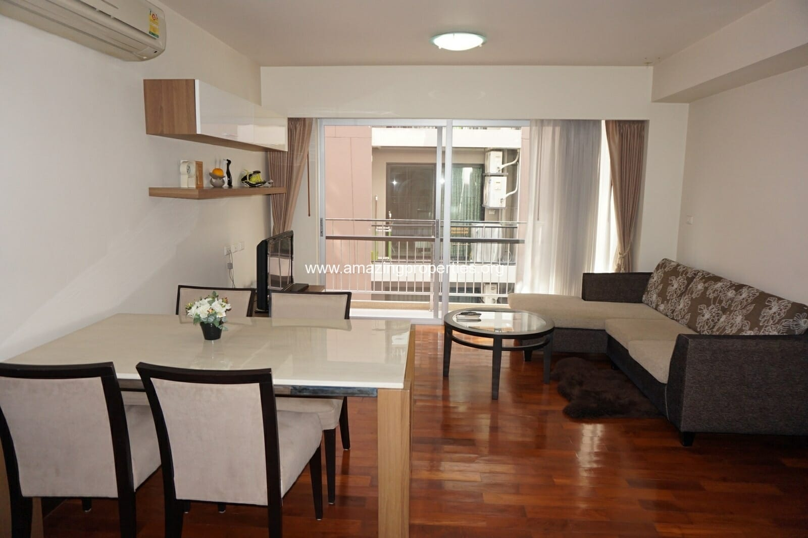 2 bedroom Baan Sukhumvit 14