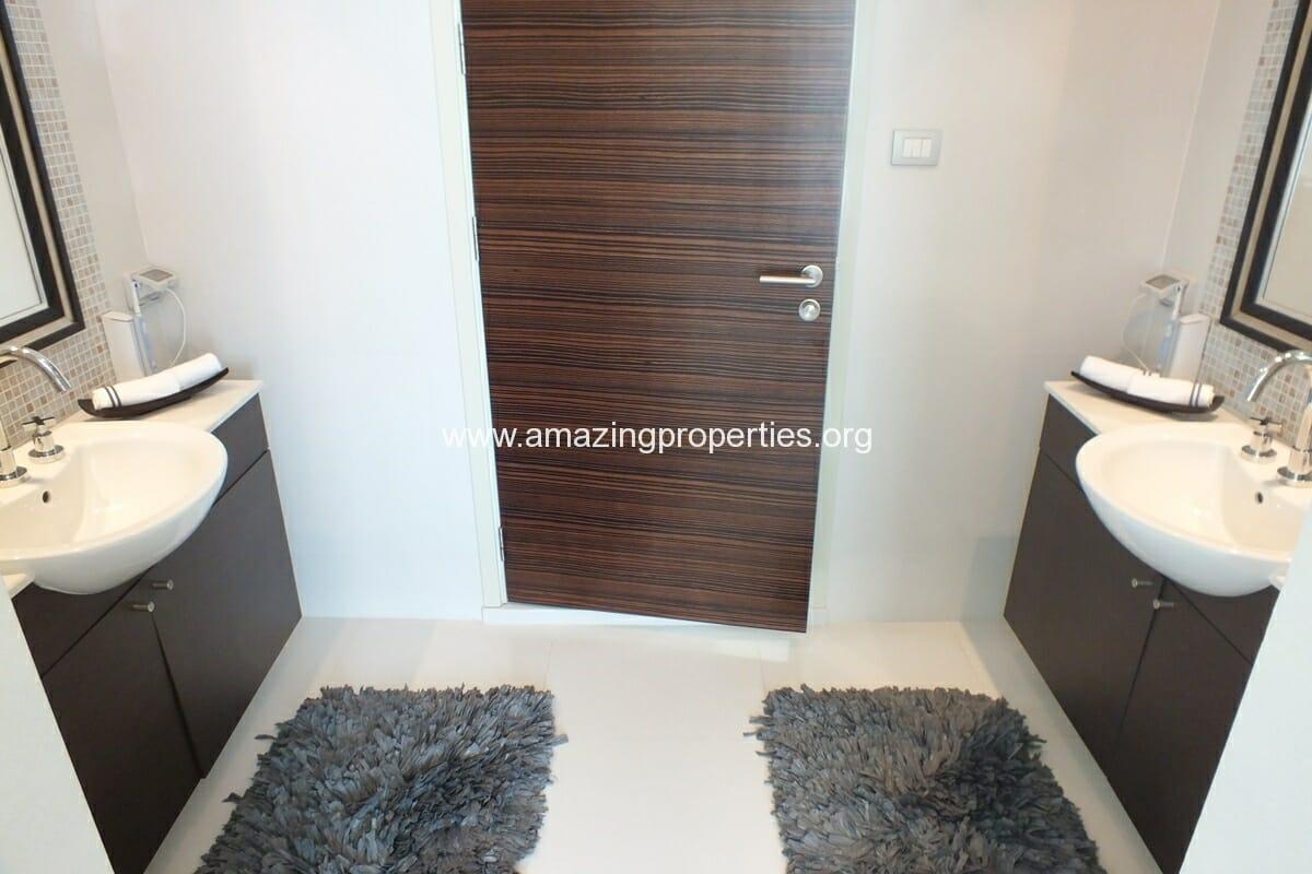 4 bedroom Watermark Condominium-20