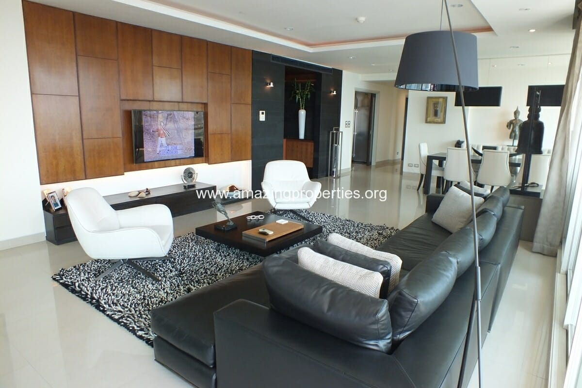 4 bedroom Watermark Condominium