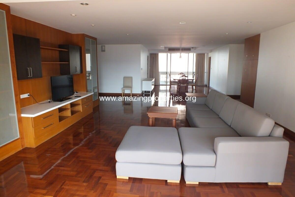 3 bedroom Apartment at Dera Mansion