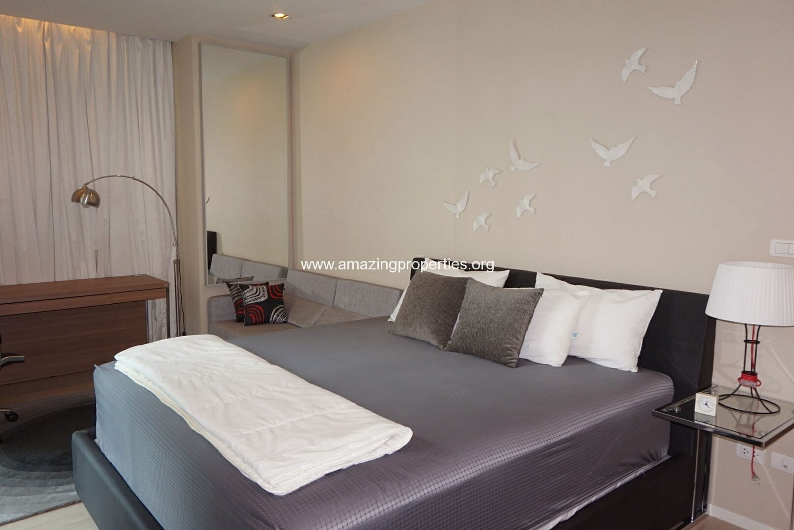 Duplex 2 bedroom The Room Sukhumvit 21