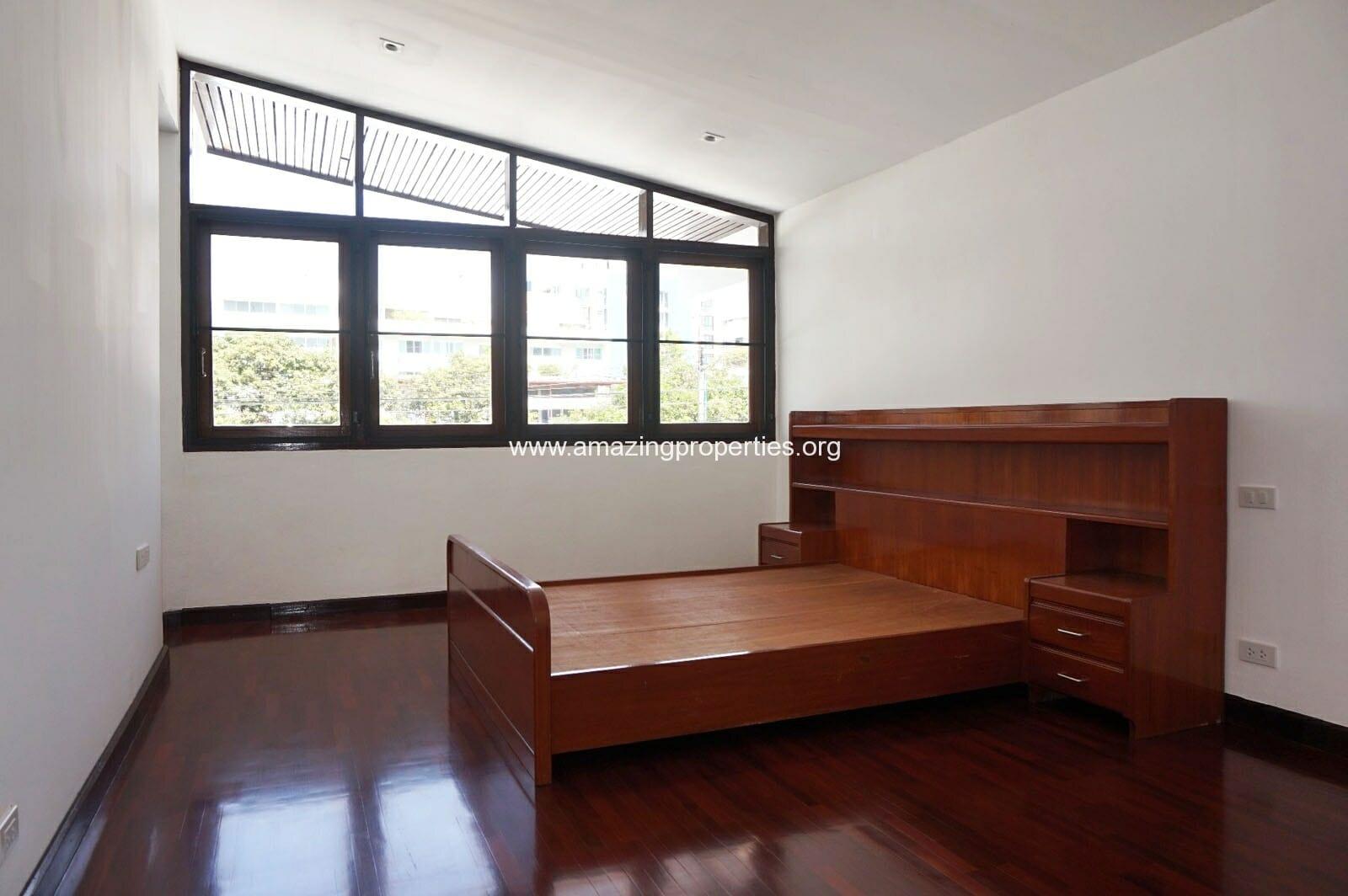 Ekkamai House-12