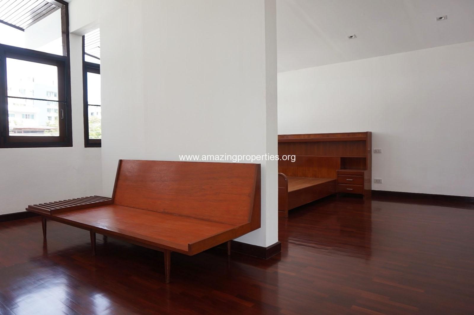 Ekkamai House-13