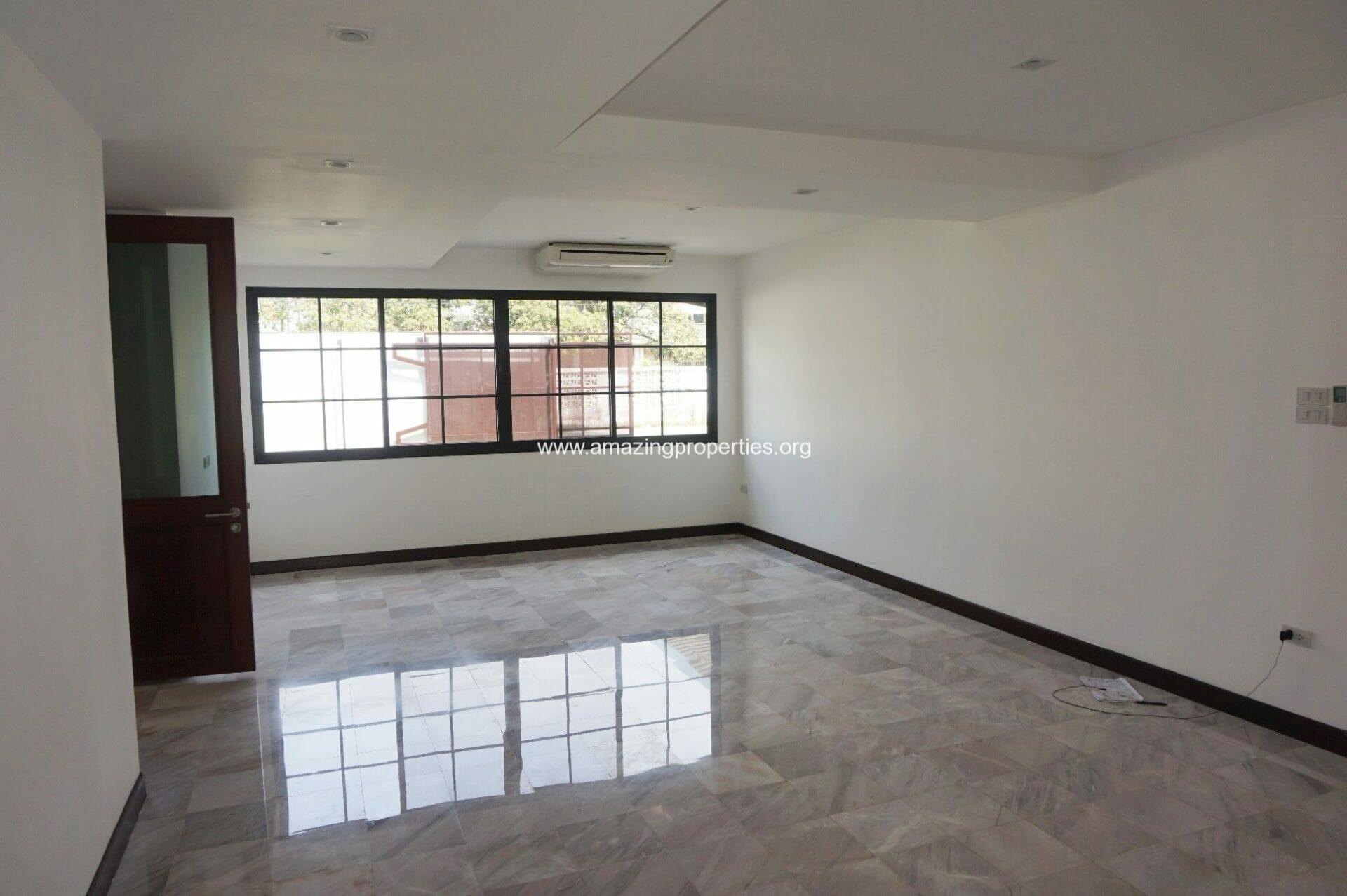Ekkamai House-3