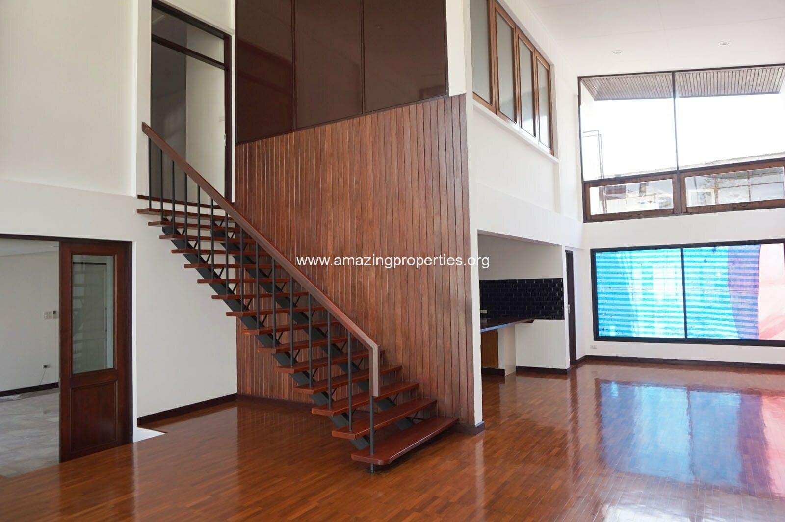 Ekkamai House-9