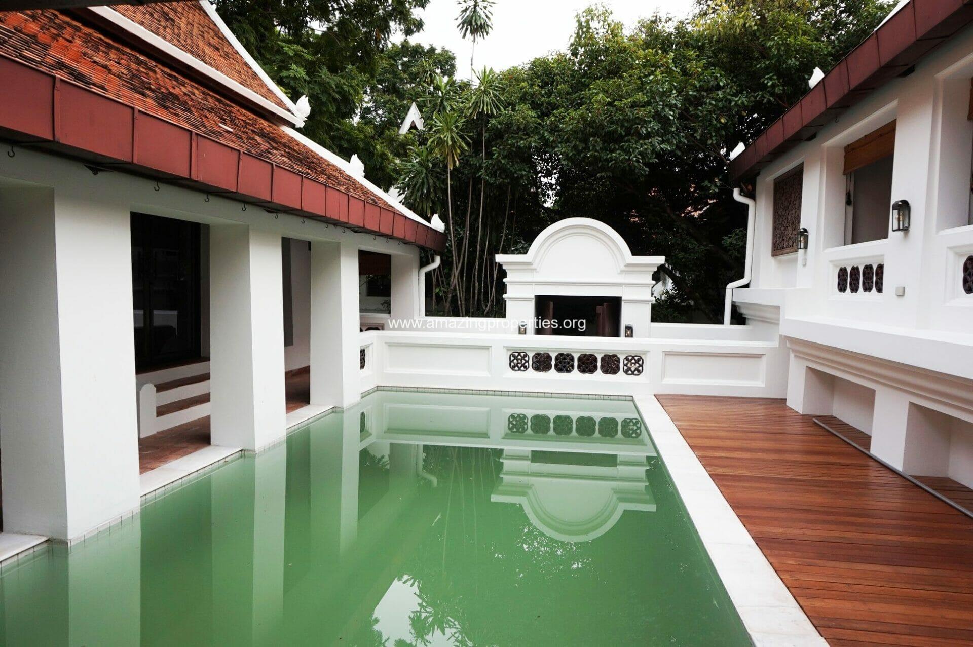 Phrom Phong House