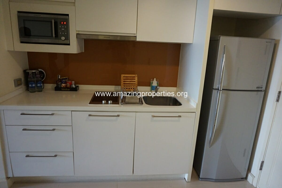 One Bedroom Executive For Rent At Phachara Suites