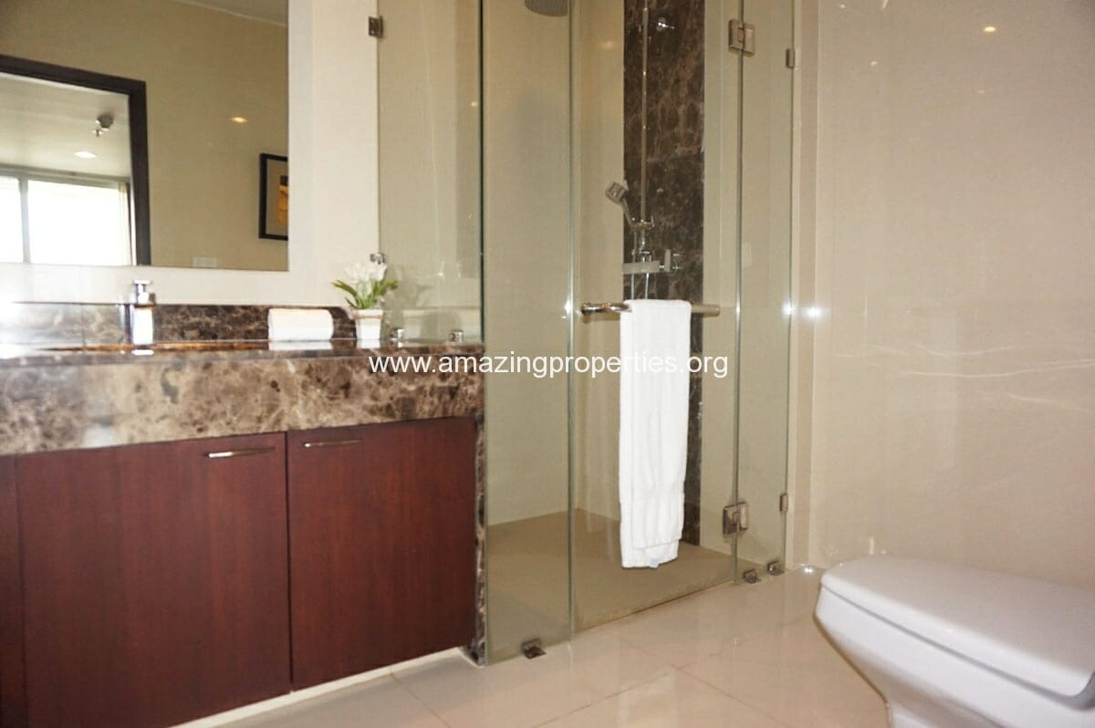 4 bedroom Penthouse Piyathip Place-13