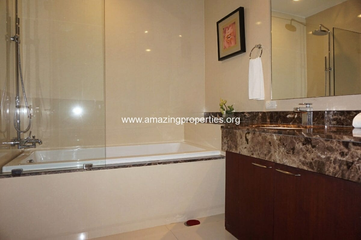 4 bedroom Penthouse Piyathip Place-14