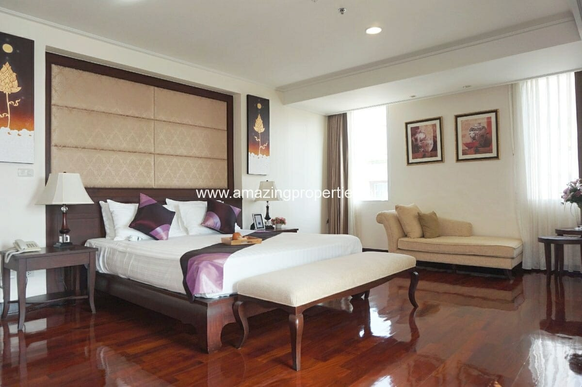 4 bedroom Penthouse Piyathip Place-16