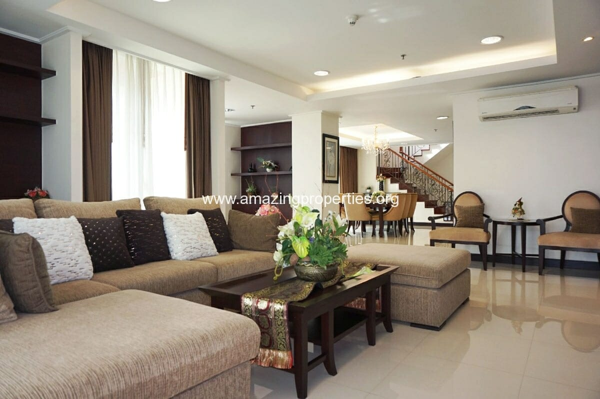 4 bedroom Penthouse Piyathip Place-2